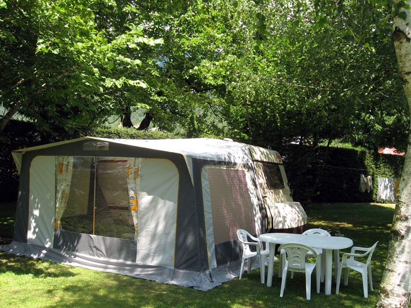 beautiful caravane avec auvent caravane avec auvent. Black Bedroom Furniture Sets. Home Design Ideas